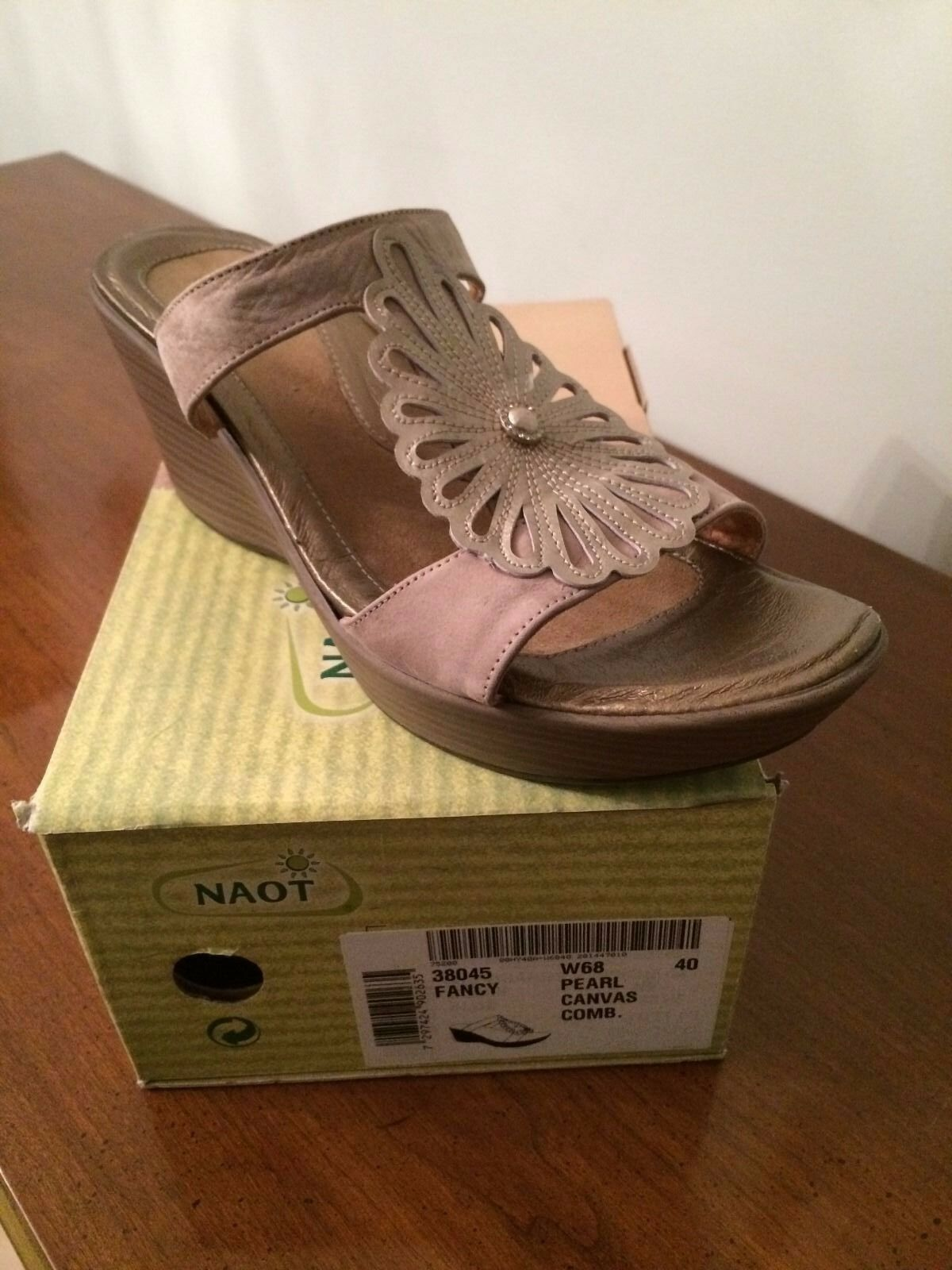 Naot Donna    Wedge Sandals, 38045 Fancy, Pearl Canvas Combination 670a3d
