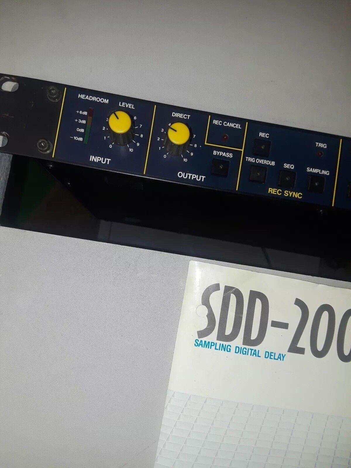 KORG Sampling Digitial Delay 2000