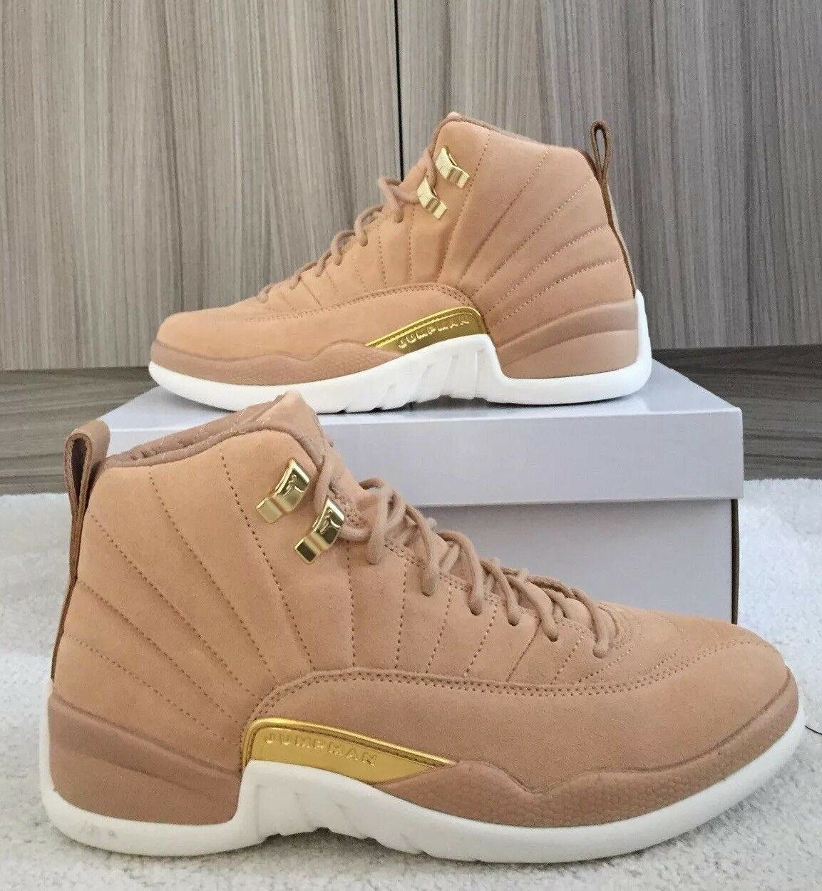 Jordan 12 Vachetta Tan   Size 6