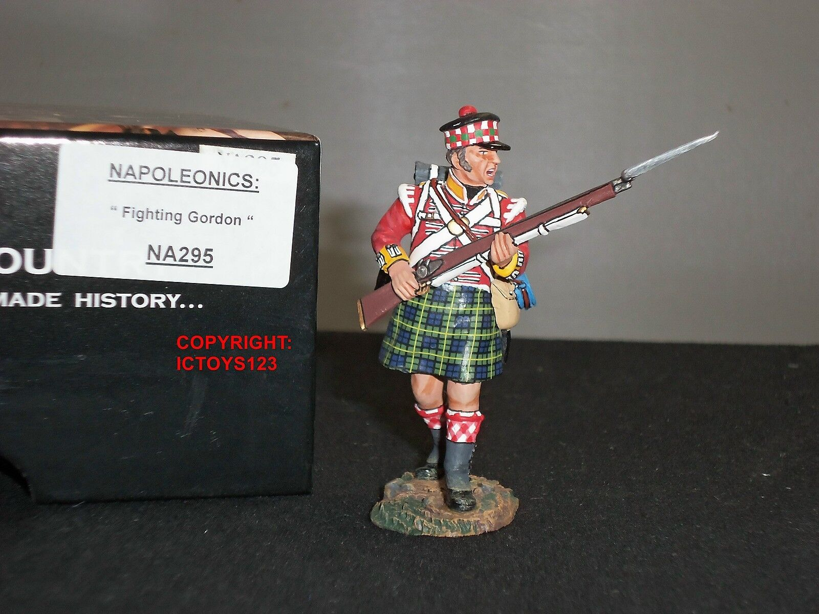 KING AND COUNTRY NA295 BRITISH GORDON HIGHLANDER FIGHTING METAL TOY SOLDIER