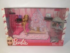 New In Box 2009 Barbie My House Pink Dream Glam Bedroom Doll & Playset