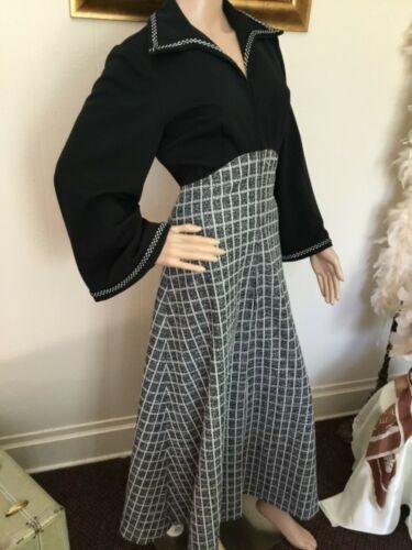 60's Vintage Black White Checkered Long Bell Sleev
