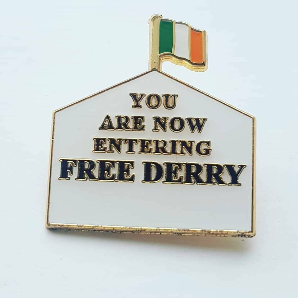 FREE DERRY enamel badge Irish Republican NEW