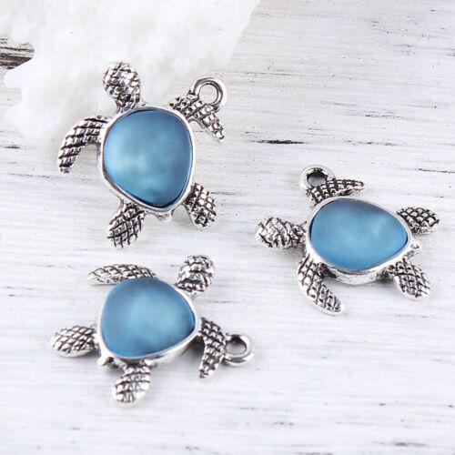 2 x Argent Antique Bleu Pâle Sea Glass Turtle Charm Pendentifs Taille 21x20mm