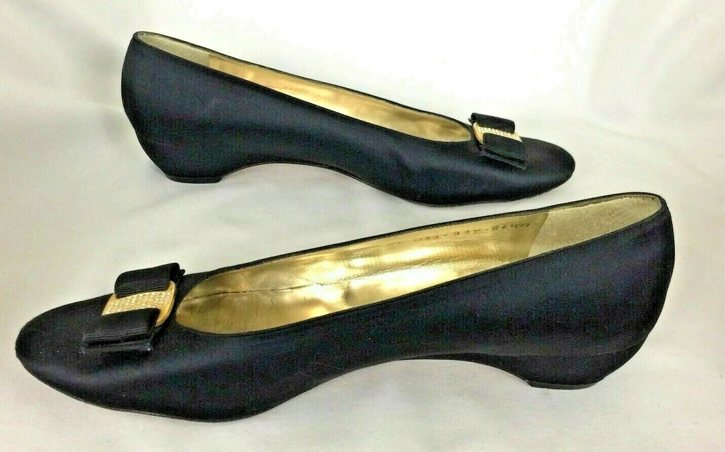 SALVATORE FERRAGAMO WOMENS WOMENS WOMENS PUMPS BLACK SATIN BOW RHINESTONES gold LOW7   37 AAA ad5af8