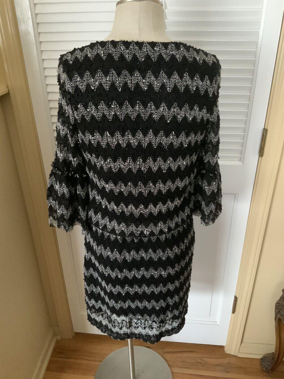 Gabby Skye Dress Size 6 Black & White Lace Shell … - image 3