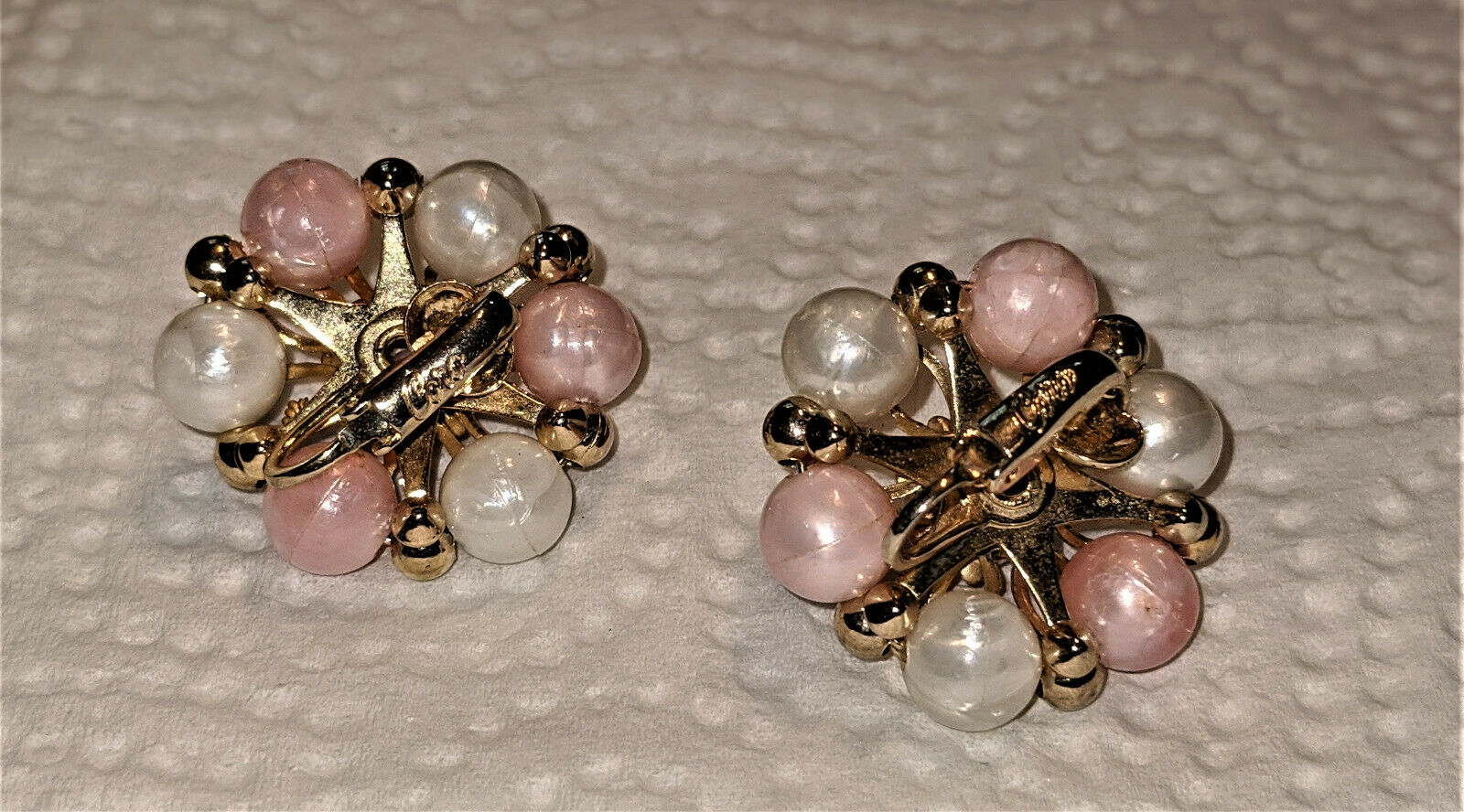 Vintage Coro Faux Pearl Ivory and Peach Bead Clip… - image 2