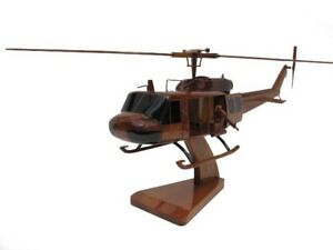 """Vietnam Helicopters Museum – UH-1H Iroquois """"Huey"""" Helicopter 