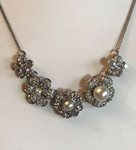 Silver-Tone-16-034-Pearl-Cubic-Zirconia-Flower-Statement-Necklace-Bridal-A227