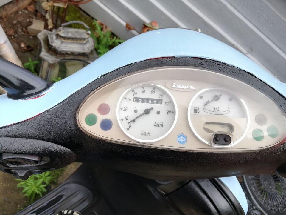 Piaggio Vespa et 2, 2001, 2400 km