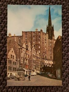The-Grassmarket-Edinburgh-Vintage-Postcard