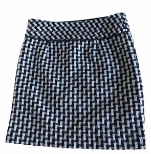 Ann Taylor LOFT Black White Houndstooth Woven Mini Skirt Size 0 Fully Lined