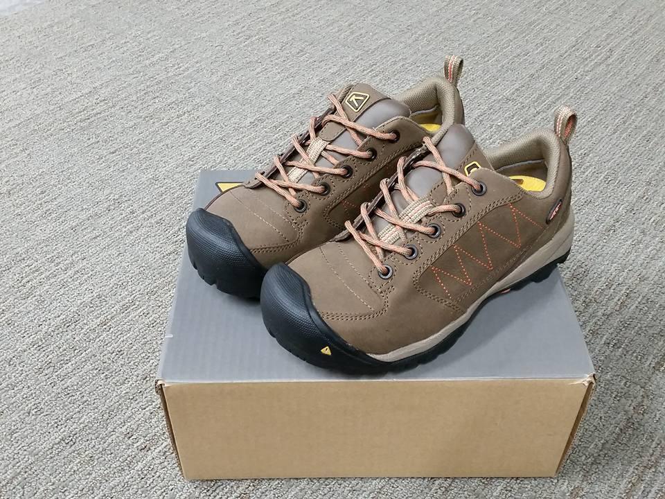 NIB Keen 1011356 Wouomo Mesa ESD Steel Toe Slip Resistant Dimensione 6.5