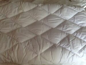 MATTRESS-TOPPER-HOTEL-QUALITY-KING-SIZELUXURY-TOPPER-QUALITY-ASSURED