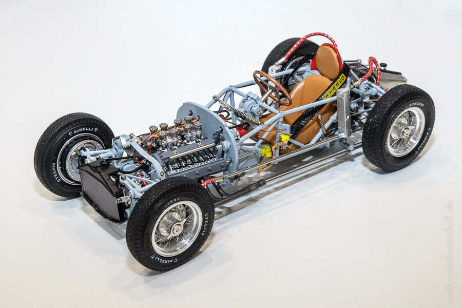 CMC Lancia D50, 1955 Rolling Chassis including base plate 1 18