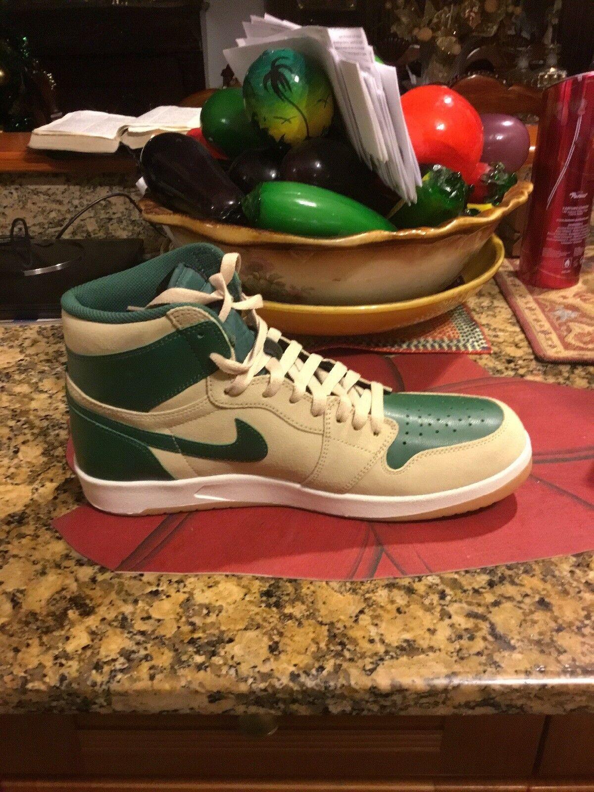 """Nike Air Jordan 1 """"Bucks"""" Xmas colors"""