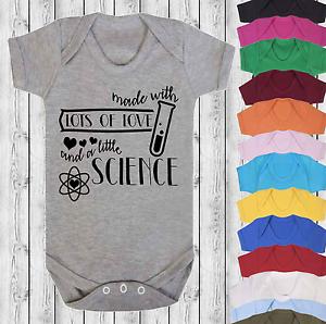 Hecha-con-amor-y-ciencia-Babygrow-Bodysuit-Chaleco-Bebe-Baby-Shower-la-FIV-Bebe
