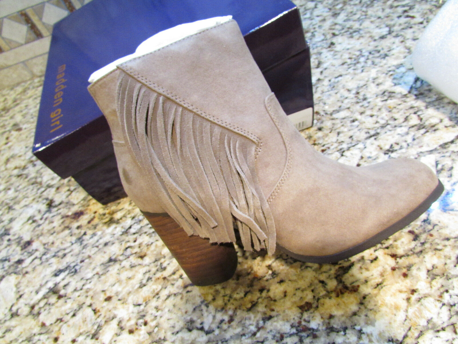 NEU MADDEN GIRL DESCENT TAUPE ANKLE BOOTES BOOTS Damenschuhe 8.5 W/ FRINGE FREE SHIP