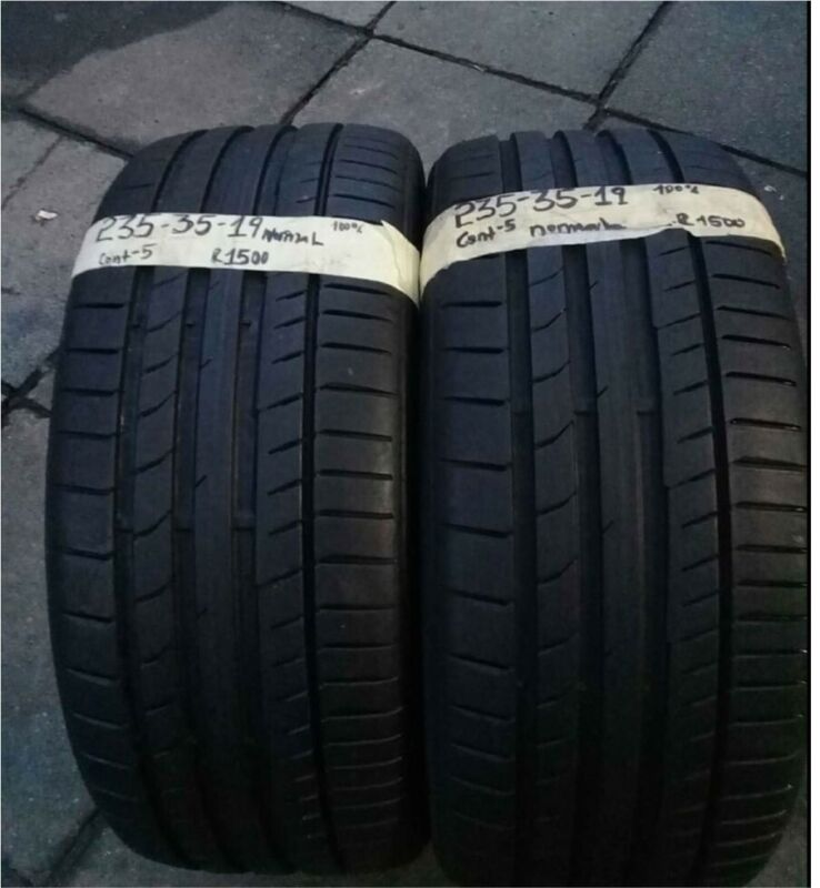Two 235/35/19 Continenetal for sale very good conditions