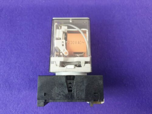 Finder 60.12  Relay And Socket 8 Pin 240 Volt Coil