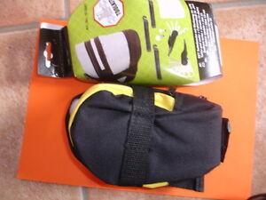 Toolkit-Satteltasche-mit-19-teiligen-Werkzeug-NEU