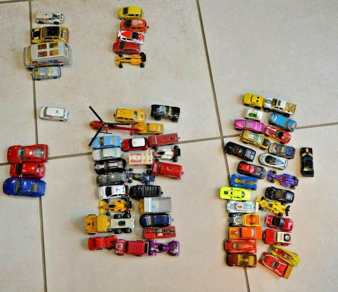 Lot 62 petites voitures Majorette hot wheels Corgi Burago différentes années