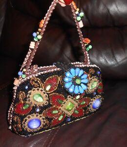 Beaded Handbag Beaded Wrist Bag Vintage Purses Vintage Pouch Creme Vintage Evening Bag Evening purses Drawstring Bag