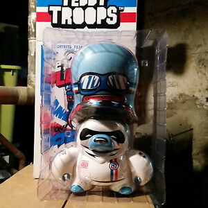 """Teddy Troops Flying Fortress Le Mans Racer Urbain Vinyle Dunny 10 """"Lemans Limited"""