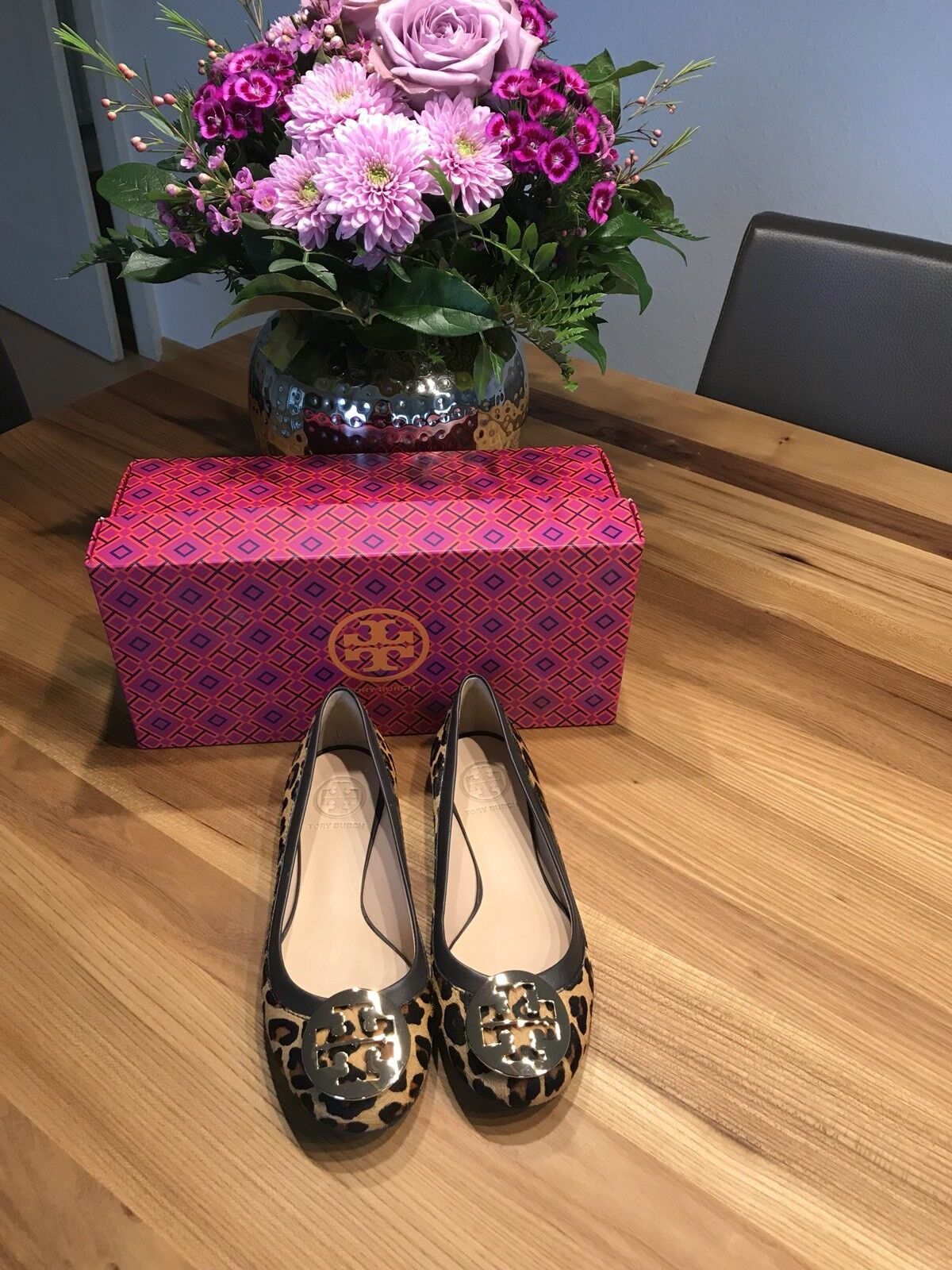 Tory Burch Original Fell-Leder Ballerina Leopard in Gr. 36, Neu