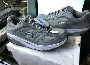 """Tennis Shoes """" Avía """" Gray Color. 100"""