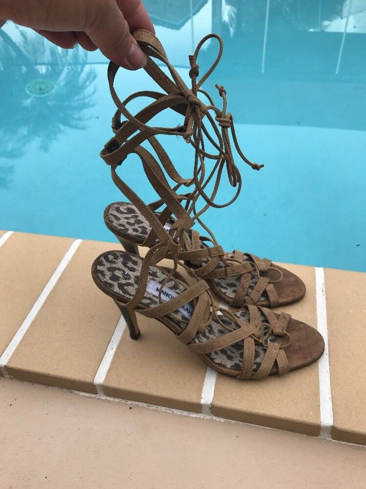 MANOLO BLAHNIK braun SOFT LEATHER LEATHER LEATHER STRAPPY GLADIATOR SANDAL Sz 37.5 MADE IN ITALY ca5890