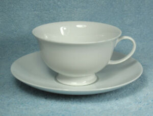 ROSENTHAL-AIDA-White-Porcelain-TEACUP-amp-SAUCER-Vintage-CLASSIC-ROSE-COLLECTION