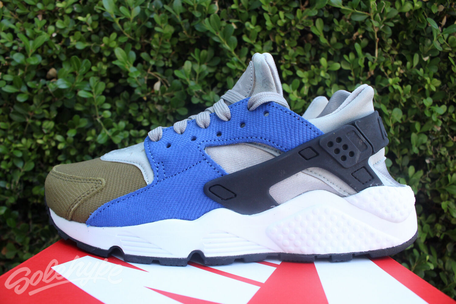 NIKE WOMENS AIR HUARACHE PREMIUM SZ 6 MATTE SILVER BLACK ROYAL blueE 683818 007