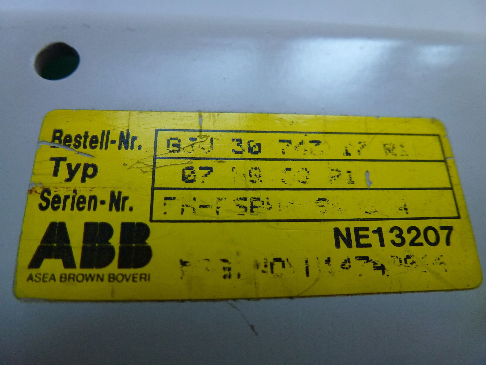 ABB 07 NG 68 r1 r1 r1 Order No. gjv 30 743 17 r1 procontic t 200 bloc d'alimentation b35b1e