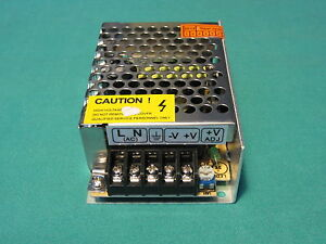 alimentatore trasformatore strisce striscia led 12V 2A 24W 24 watt switching