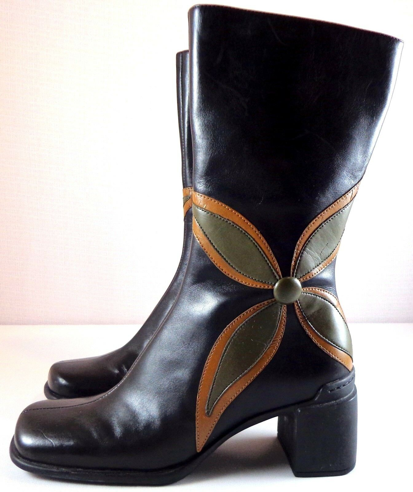 nuovo sadico Clarks Indigo stivali donna nero nero nero Leather Mid-Calf Dimensione 5.5 M Flower Side Zip  risparmia fino al 30-50% di sconto