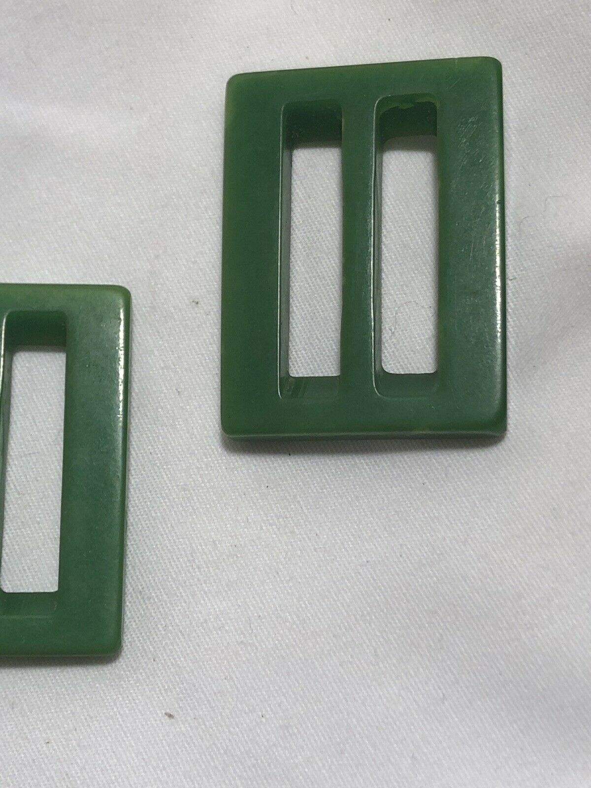 1950s GREEN BAKELITE BELT BUCKLES   - image 3