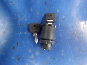 Schneider-Electric-ZB5AG410-Square-D-Selector-Switch-with-Key