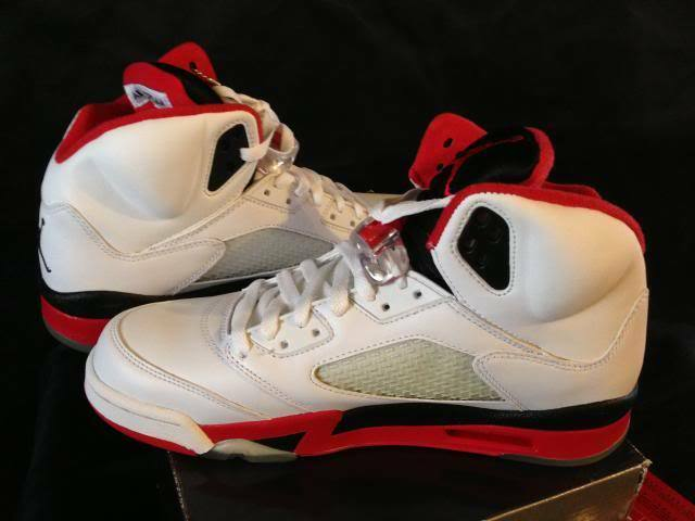 2006 Jordan White 5 Retro 136027 162 Deadstock Size 9 White Jordan Fire Red Black a4b143