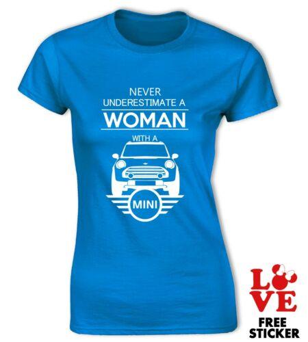 Mini Cooper T-Shirt Niemals Underestimate A Damen mit Einem Auto Mädchen