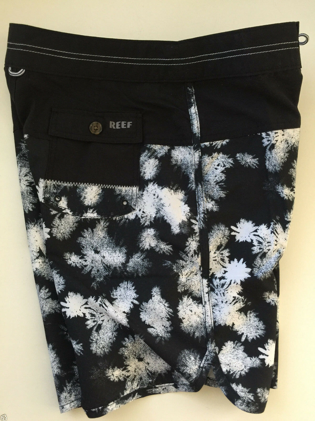 REEF  SWIMTRUNKS BOARD SHORTS 19