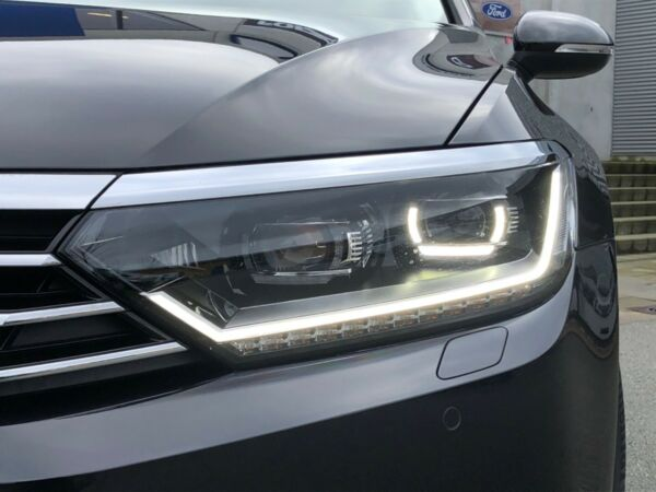 VW Passat 2,0 TDi 150 Highl. Prem. Vari. DSG - billede 2