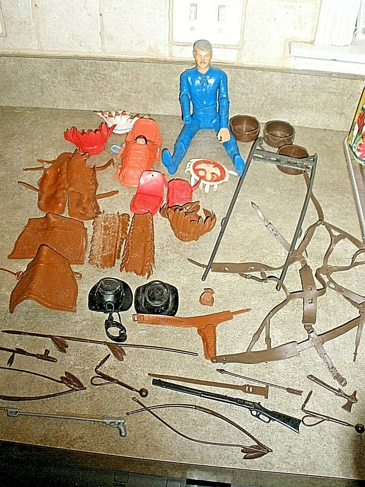 barato Gran Lote de colección Marx Indio Vaquero Occidental Occidental Occidental Accesorios, Papoose, figura, armas,  precios mas bajos