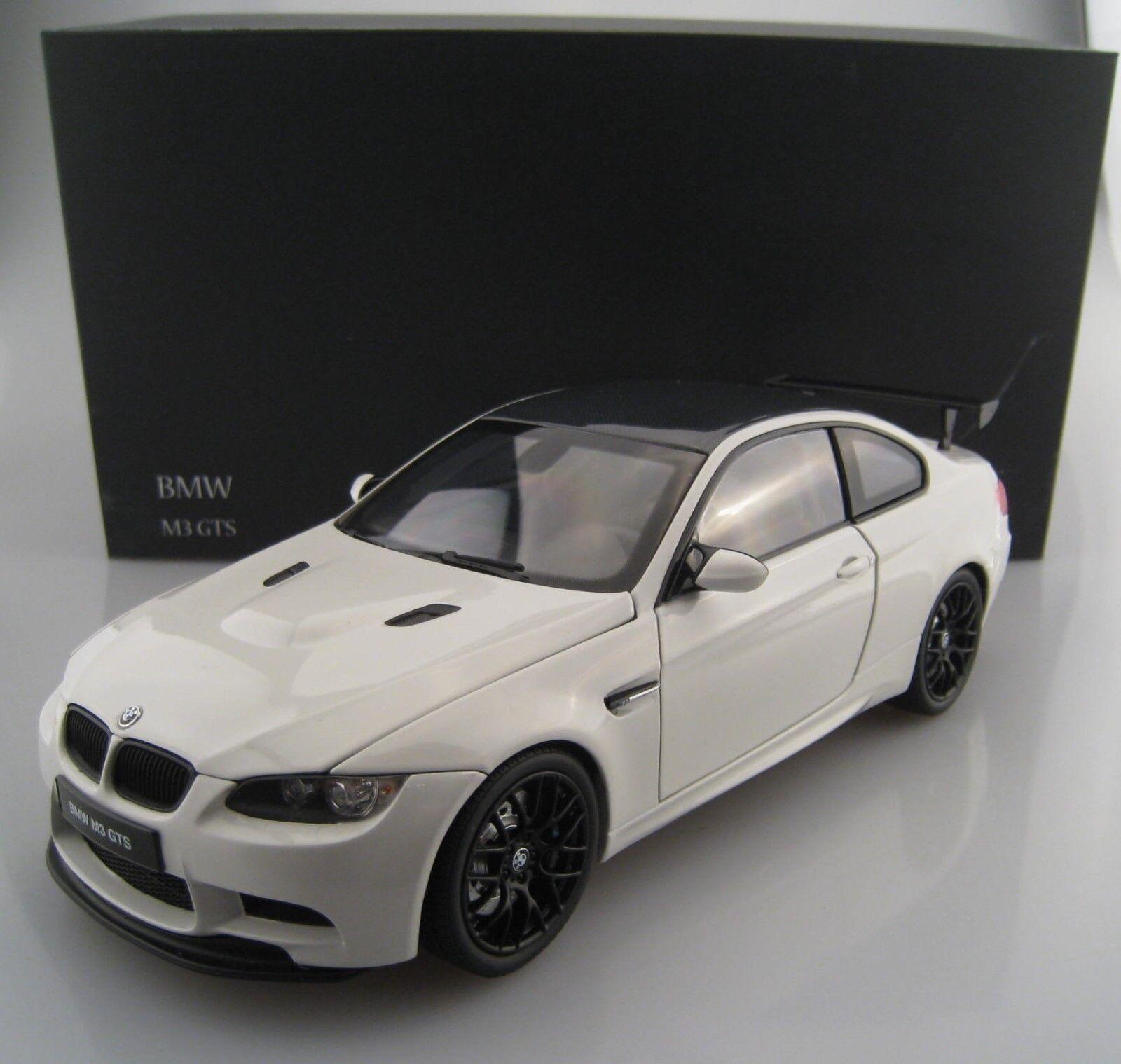 BMW m3 GTS dans Alpine Blanc KYOSHO échelle 1 18 neuf dans sa boîte NEUF