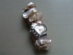Valentines-Heart-Shaped-Watch-With-Love-Logo-Elasticated-Onyx-Effect-Bracelet