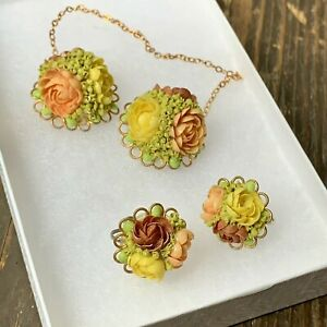 Vintage-Carved-SHELL-Floral-Flowers-Bridal-Set-Earrings-Sweater-Brooch-Pin-WOW