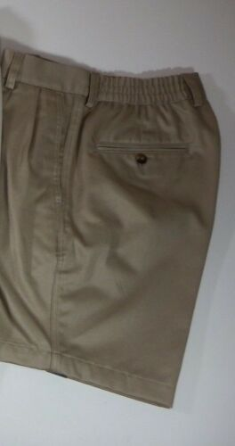 Mens Shorts Roundtree /& Yorke Pleated Classic Fit Comfort Elastic Waistband