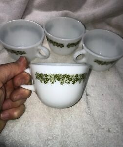 (Beautiful Pyrex Crazy Daisy Set of 4 Coffee Tea Cups with Handle Green White
