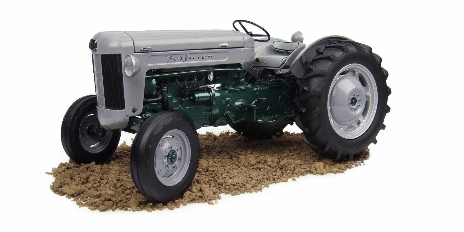 2985 Universal Hobbies 1955  Ferguson 40 launch tractor 1 16 BOXED Fergie