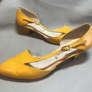 Details about SZ 5.5 Vintage Yellow Patent Leather CARESSA Kitten Heels  Side Buckle